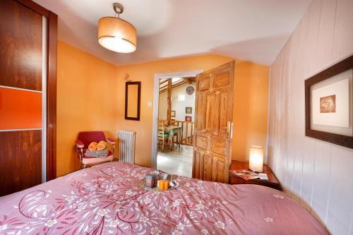 Cama o camas de una habitación en Alojamiento Rural Pueblo de la Ribera
