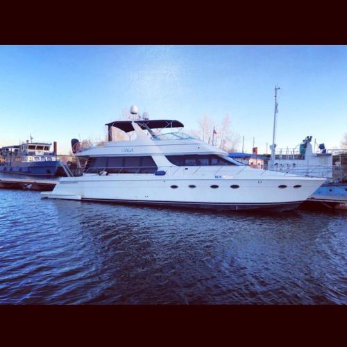 Яхта Carver 60 Miami