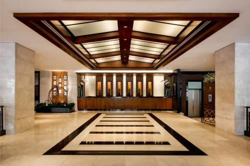 The lobby or reception area at Copthorne King's Hotel (SG Clean)