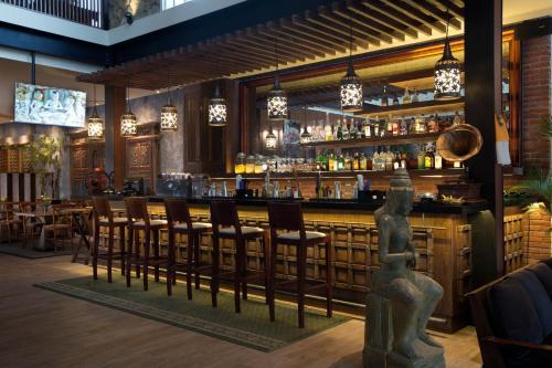 The lounge or bar area at Plataran Ubud Hotel & Spa