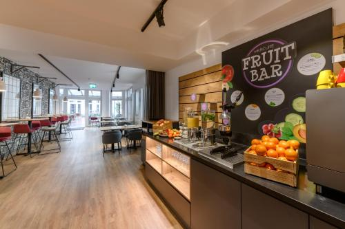 A restaurant or other place to eat at Mercure Hotel Berlin Mitte