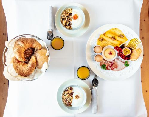 Breakfast options available to guests at Maison Haas Hustinx & Spa