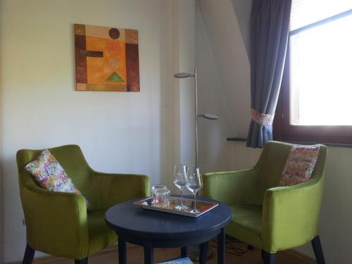 A seating area at Pension Adelheid