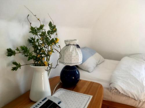 Ein Bett oder Betten in einem Zimmer der Unterkunft Heidelandhaus