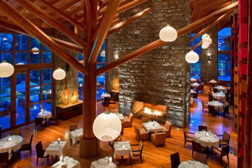 A restaurant or other place to eat at Tambo del Inka, a Luxury Collection Resort & Spa, Valle Sagrado