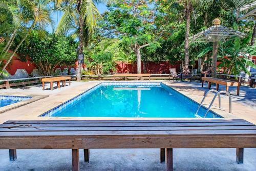 A piscina localizada em VOA Geribá Búzios ou nos arredores