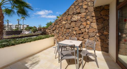 Een balkon of terras bij Los Zocos Impressive Lanzarote