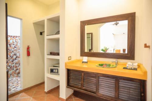 Un baño de Manala Hotel