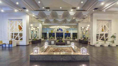De lobby of receptie bij Djerba Aqua Resort