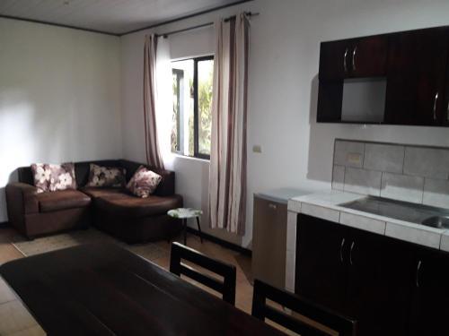 Küche/Küchenzeile in der Unterkunft Aracari Garden Hostel