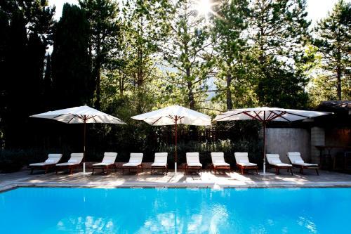 The swimming pool at or near La Bastide De Moustiers - Les Collectionneurs