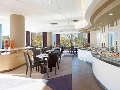Restauracja lub miejsce do jedzenia w obiekcie Mercure Warszawa Centrum
