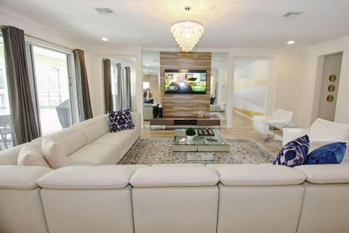 A seating area at 3941 Sonoma