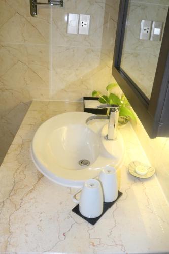 Salle de bains dans l'établissement Muong Thanh Luxury Can Tho Hotel