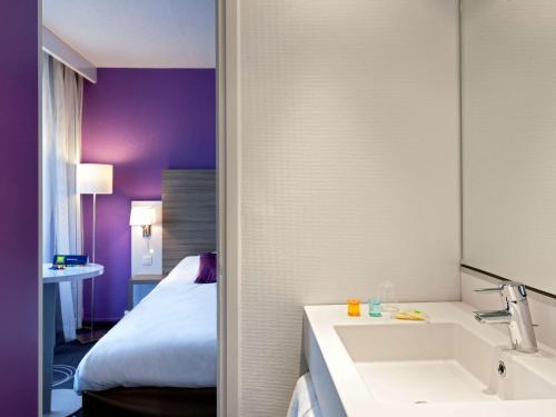 Salle de bains dans l'établissement ibis Styles Grenoble Centre Gare