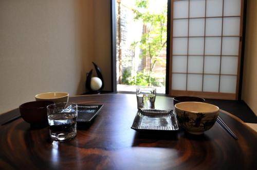 和の空間とお庭と檜のお風呂を満喫 Kamon Inn 東寺で提供されているドリンク