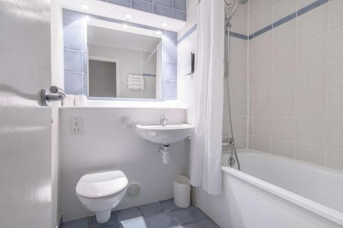 A bathroom at Campanile Liverpool