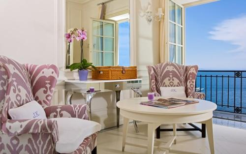 Posezení v ubytování J.K. Place Capri