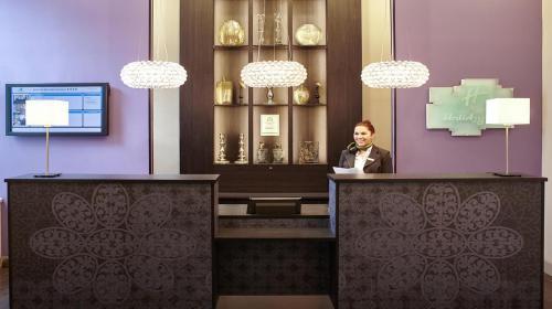 The lobby or reception area at Holiday Inn Paris Gare de Lyon Bastille, an IHG Hotel