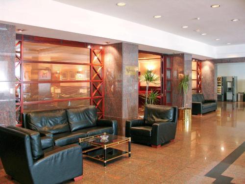 El vestíbulo o zona de recepción de Mercure Andorra