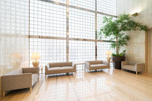 The lobby or reception area at Hotel Sunlite Shinjuku