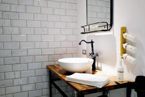 A bathroom at Chill Roof Hotel
