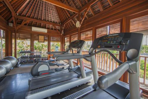 The fitness centre and/or fitness facilities at Legian Beach Hotel