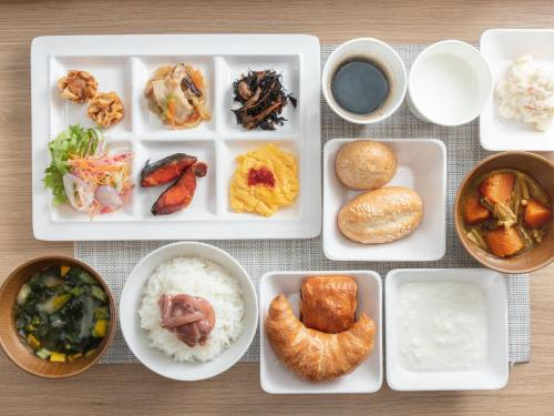Breakfast options available to guests at Super Hotel Hakodate