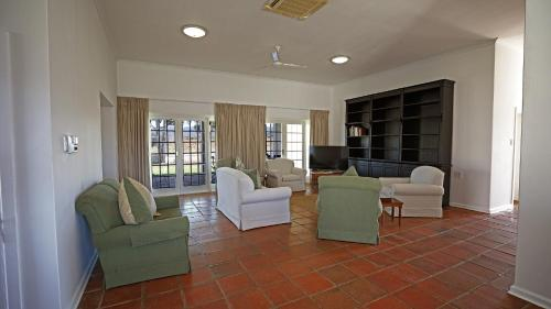 A seating area at River Bend Lodge