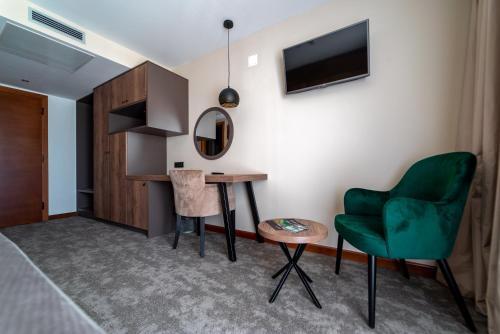 A seating area at Hotel Mirjana & Rastoke