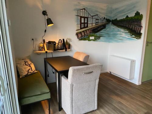 A kitchen or kitchenette at Bed & Breakfast Aalsmeer