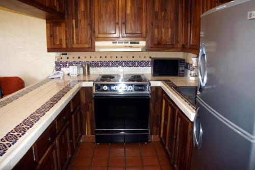 Una cocina o zona de cocina en Marina Sol #A308 - 1 Bedroom