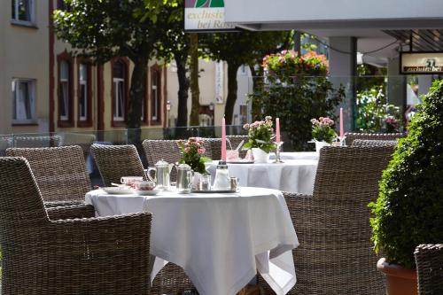 Ein Restaurant oder anderes Speiselokal in der Unterkunft Hotel Scherf