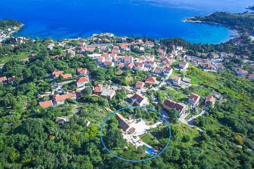 A bird's-eye view of Mlini Villa Sleeps 8 Pool Air Con WiFi