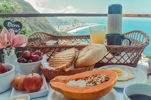 Breakfast options available to guests at Mirante do Arvrao