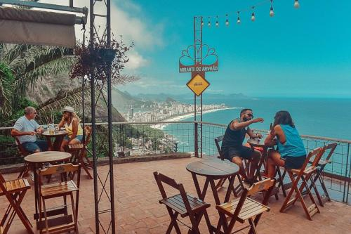 A restaurant or other place to eat at Mirante do Arvrao