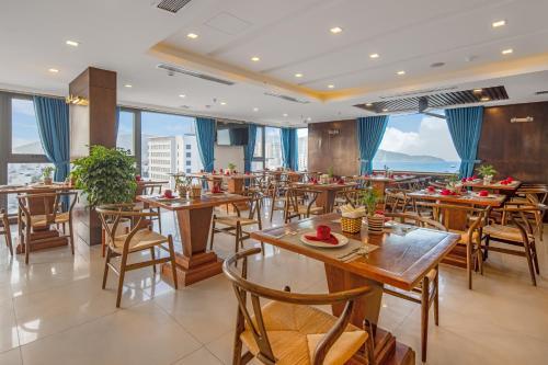 Nhà hàng/khu ăn uống khác tại White Sand Hotel & Apartment