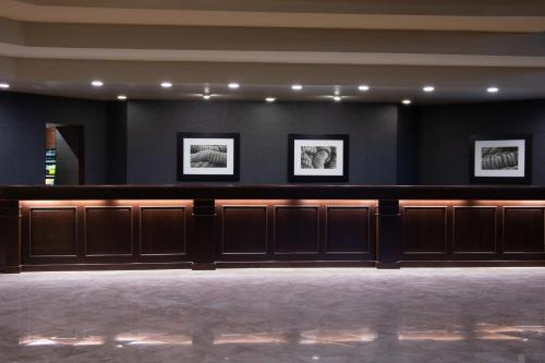 The lobby or reception area at Sheraton Mission Valley San Diego Hotel
