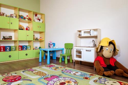 Dzieci zatrzymujące się w obiekcie Dom Wypoczynkowy Koliba