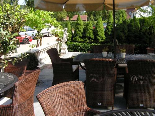 A restaurant or other place to eat at Romantik Parkhotel het Gulpdal