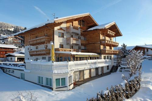 Landhotel Lechner during the winter
