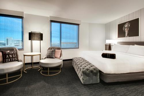 The Rose Chicago, Tapestry Collection By Hilton