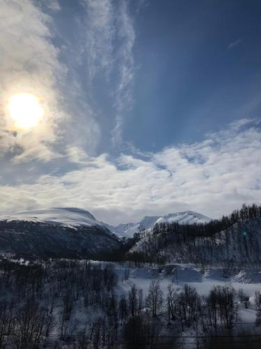 Enjoy the nature-free parking-15 min from Tromsø om vinteren