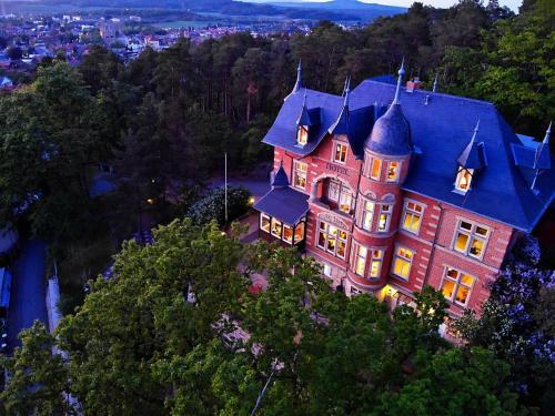 Blick auf Hotel Villa Viktoria Luise aus der Vogelperspektive