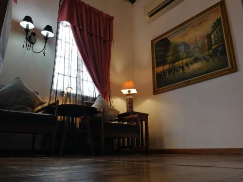 A seating area at Great Shanghai Guesthouse