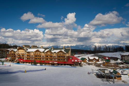 Trickle Creek Lodge during the winter