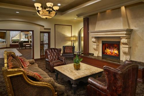 A seating area at The Davenport Lusso, Autograph Collection