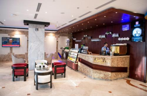 O saguão ou recepção de Jazan Inn Hotel