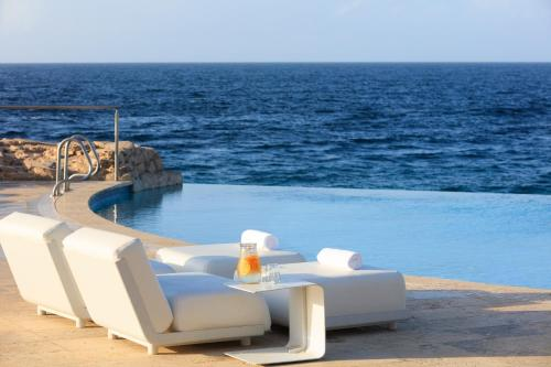 The swimming pool at or near Renaissance Curacao Resort & Casino