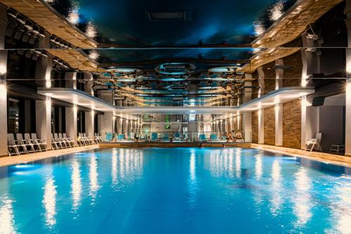 The swimming pool at or close to Hamilton SPA & Wellness